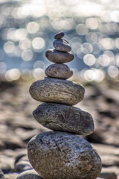How to improve your life with mindful meditation - www.wavesandwillows.com