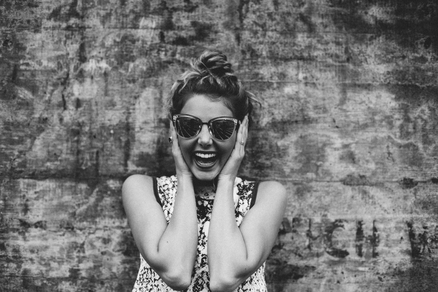 5 Incredibly Simple Ways to Feel Happy in Minutes - www.wavesandwillows.com